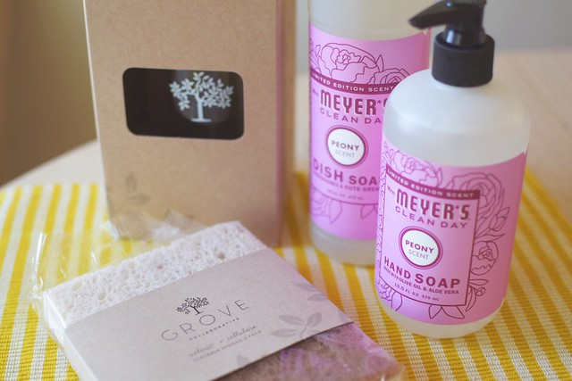 Grove Collaborative freebie: Mrs. Meyer's cleaning kit | yourwishcake.com