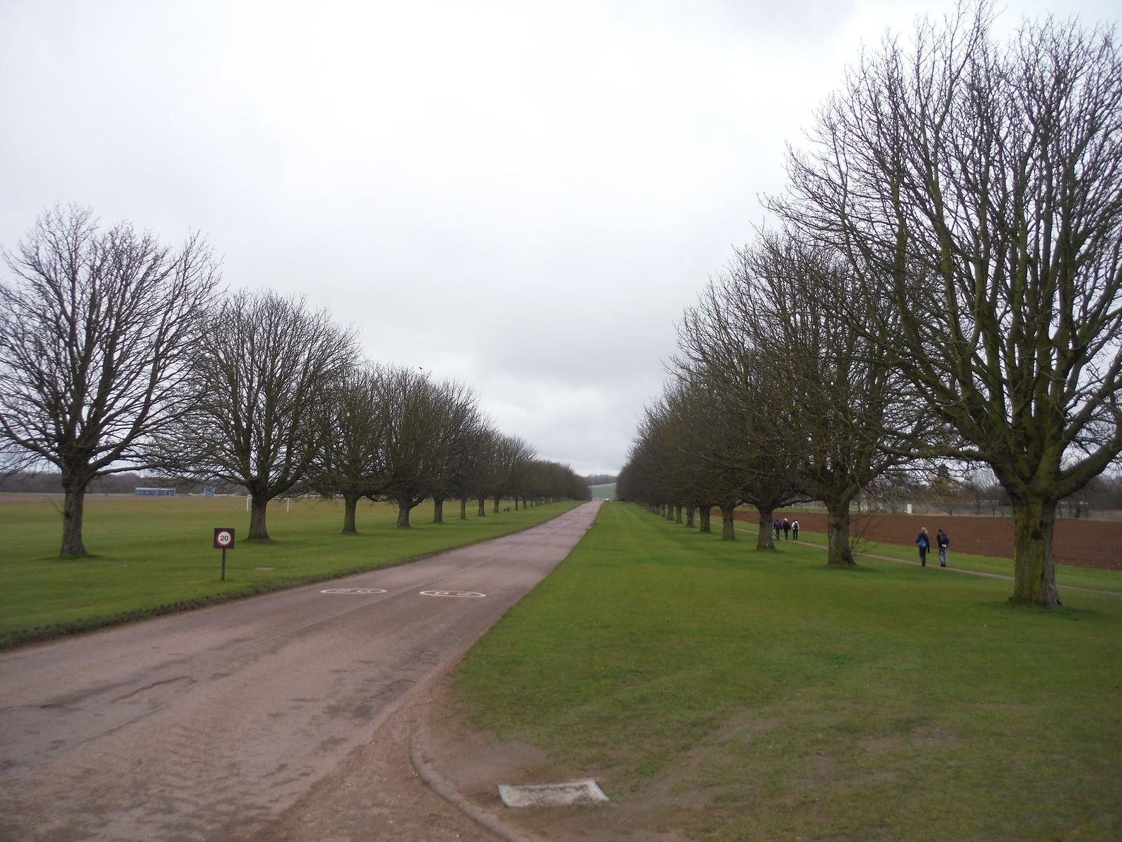 Wrest Park, Driveway SWC Walk 231 Flitwick Circular