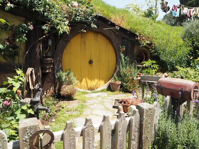 แบบบ้านหลังเล็ก ๆ สวยและน่าอยู่