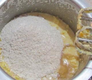 Orange date muffins - step 3