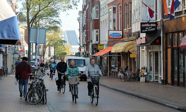 cyclists groningen
