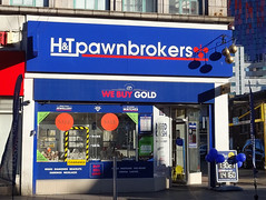 Picture of H And T Pawnbrokers, 12 London Road