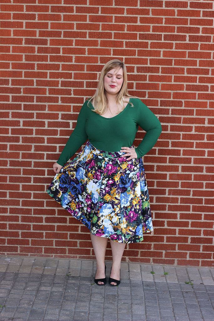 Idle Fancy - Asymmetrical Floral Skirt with Mood Fabrics - KnipMode 10-2015-2045