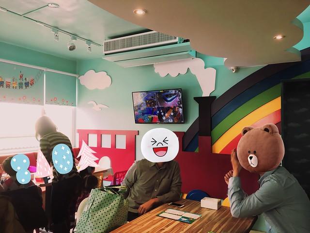 和林先生與他的朋友們一起來吃飯@Young Lion 親子餐廳,高雄三民區