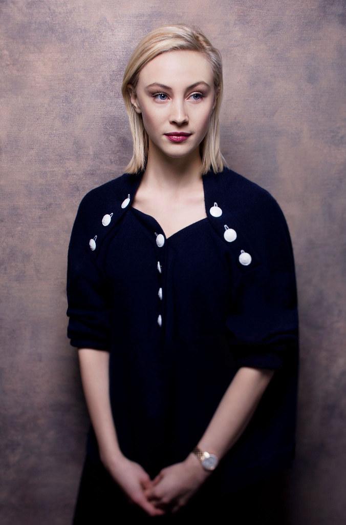 Сара Гадон — Фотосессия для «Возмущение» на «Sundance» 2016 – 16