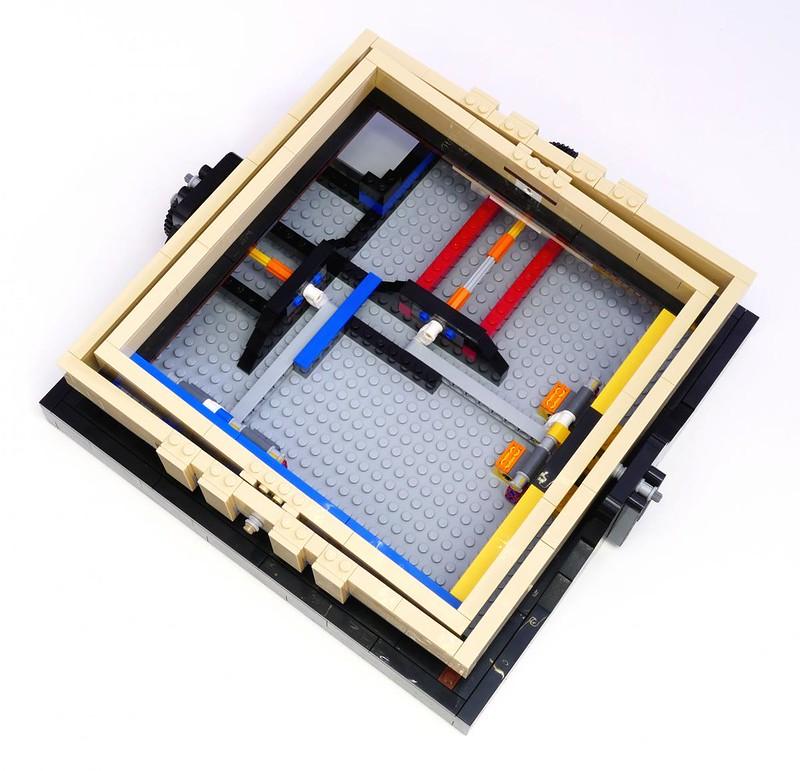 LEGO Ideas 21305 - Maze (detail 1)