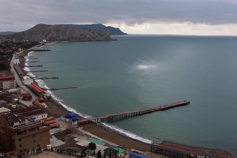 Единственный минус феодосии - это городской пляж.