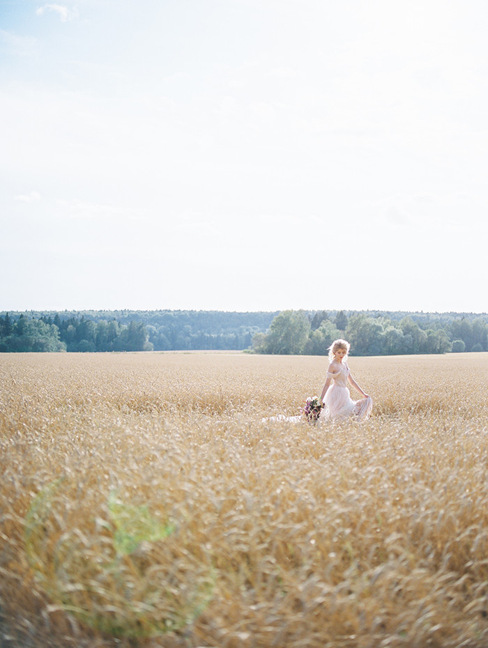Blush Wedding Gown, bridal inspiration shoot | Photo by Igor Kovchegin | Fab Mood