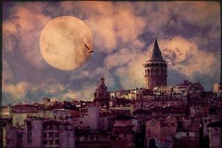 Galata Moon