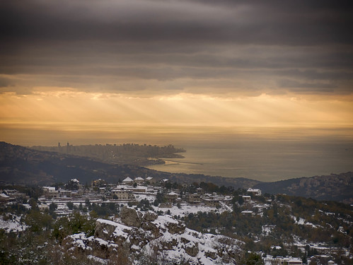 sunset sea lebanon snow church yellow four cuatro lumix gold soleil mediterranean mediterraneo nieve hill coucher du panasonic micro neige beirut beyrouth liban thirds zabougha líbano tercios mirorless lumixg45200mmf456 dmcgx7