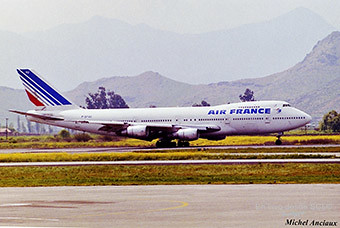 Air France B747-200 landing in SCL (Michel Anciaux)