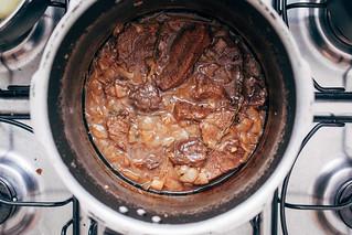 Carne de Panela com Molho de Mostarda