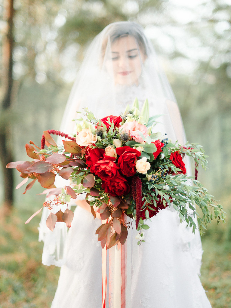 Woodland wedding dress - red wedding bouquet for autumn wedding , Marsala Wedding Inspiration | fabmood.com #marsala #woodland