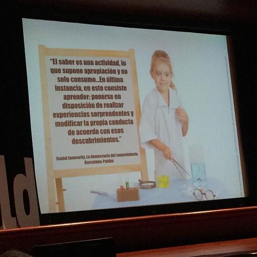 La mejor definición de #aprendizaje por Daniel Innerarity @ftsaez @conecta13 #ItWorldEdu8