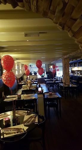 Tafeldecoratie 3ballonnen Valentijnsdag Klavertje 4 Hekelingen Spijkenisse