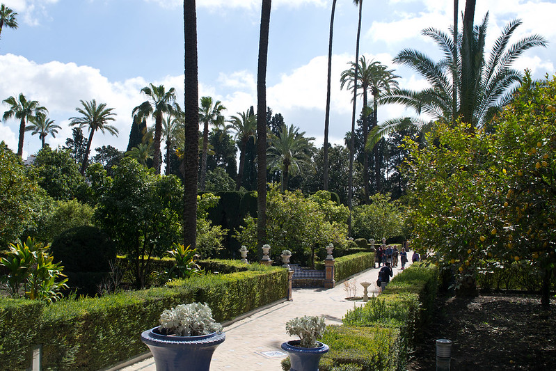 Alcazar of Seville Garden, Spain | packmeto.com