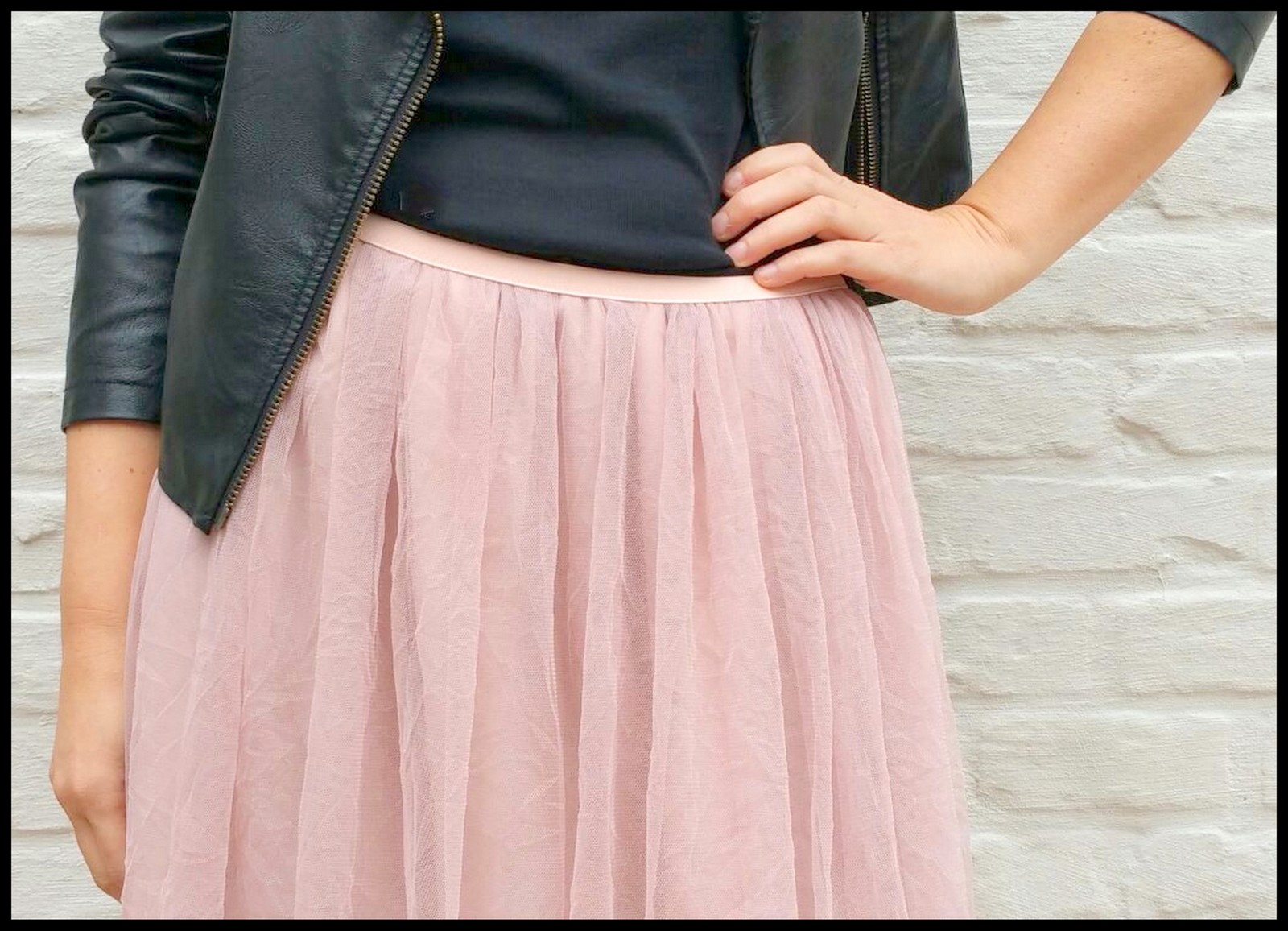 tule/chiffon skirt (close)