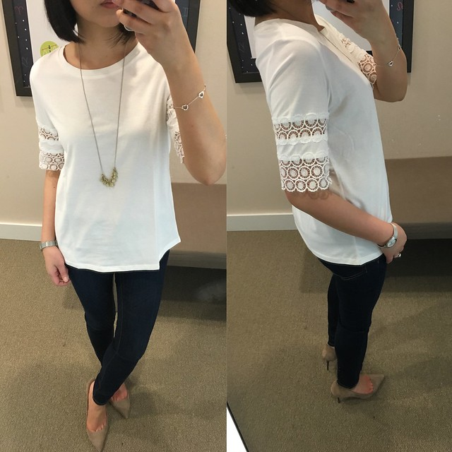 LOFT Scallop Lace Tee, size XS regular