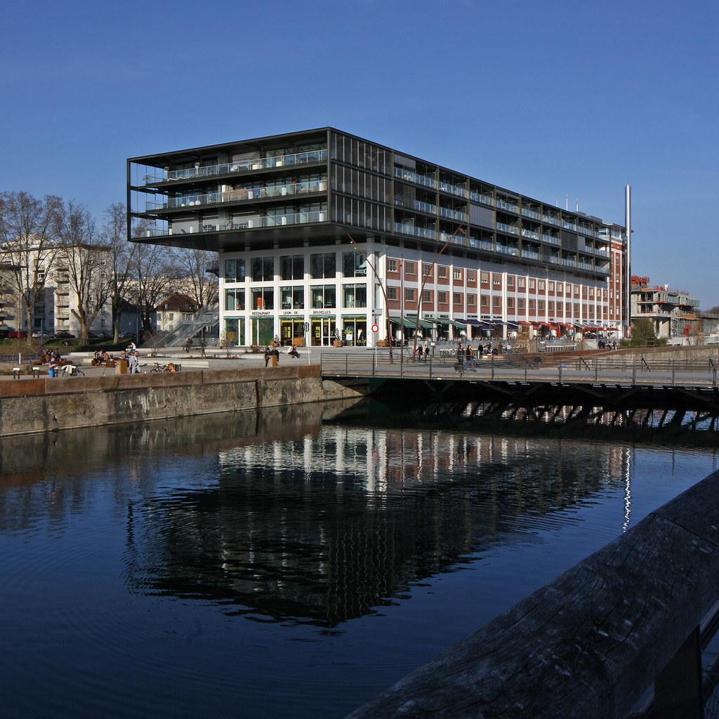Arrondissement de strasbourg ville grand est france for Hotel strasbourg piscine