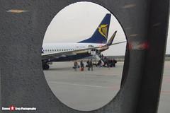 EI-ESV - 34993 3814 - Ryanair - Boeing 737-8AS - Katowice, Silesian, Poland - 151011 - Steven Gray - CIMG9269