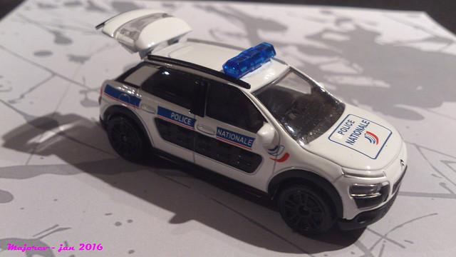 N°245C - Citroën C4 Cactus 24400725065_f68da0ed7a_z