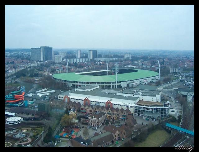 Vistas del estadio de Heysel y parque Mini Europa desde Atomium