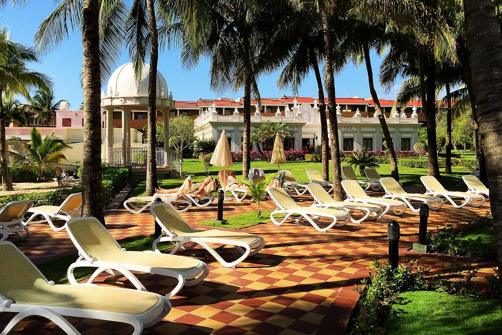 Riu Palace Riviera Maya - Courtyard