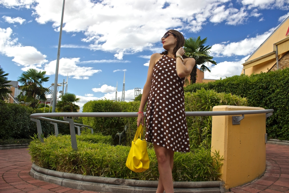lara-vazquez-madlula-style-streetstyle-look-ootd-fashionblog-summer-dots-dress