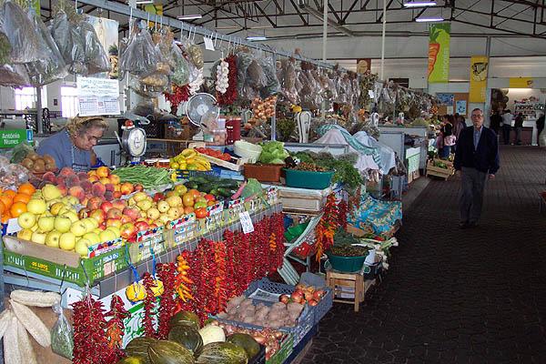 Mercado Munipal de la ciudad, Évora. © Paco Bellido, 2004