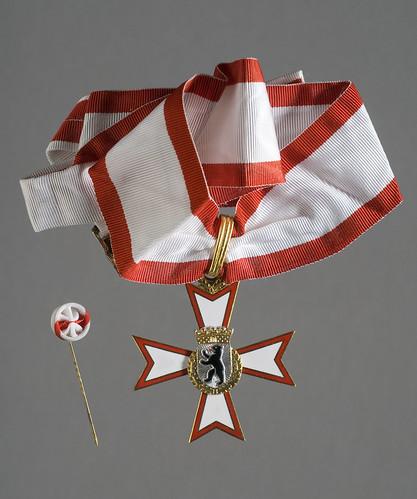 Order of Merit of Berlin medallion and rosette