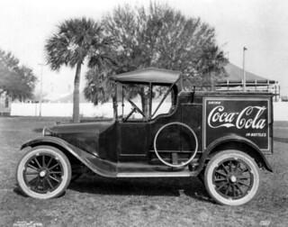 Tampa Coca-Cola Bottling Company truck - Tampa