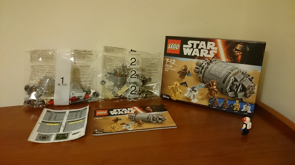 ThebrickReview: LEGO 75136 - (Star Wars) Droid Escape Pod (Pic Heavy!) 25911755135_21ae586235_b