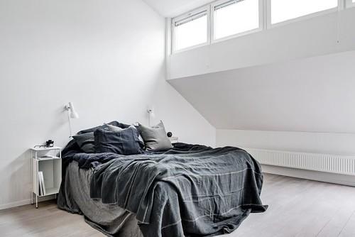 10-dormitorio-luminoso-abuhardillado