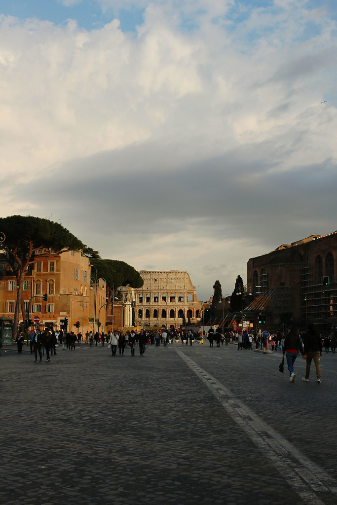 City-Break-Rome-Italy-City-Guide-The-Colosseum