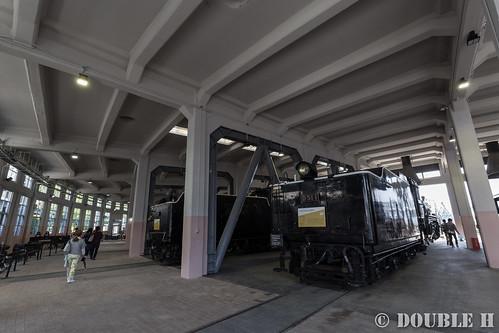 Umekoji Steam Locomotive Shed (4) in the arc shed