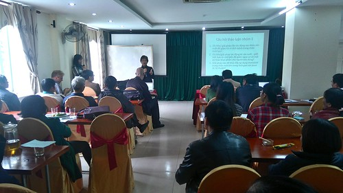 Lucy Lapar facilitates a stakeholder meeting in Nghe An province in Vietnam