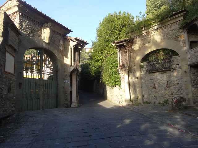 Fancy gate on the way to Fiesole