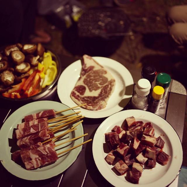 20160109 今晚吃炭火烤肉 #歐北露 #camp #camping #bbq