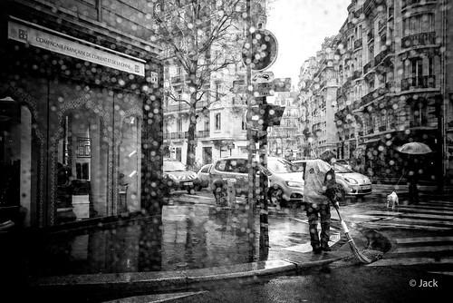 il pleut - raining