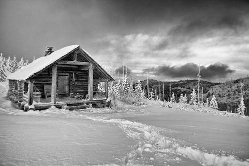 washington woodstove winterrental kettlerange snowpeakcabin