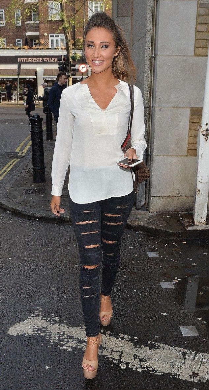 black-ripped-skinny-jeans-with-sheer-kaftan-shirt-Louis-Vuitton-handbag-nude-heels