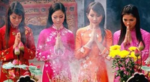 4 bài khấn khi đi lễ chùa đầu năm ai cũng nên biết