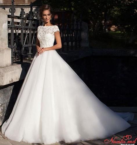 Salon de Mariaj Cocos-Tot luxul și eleganța modei de nuntă într-un singur loc! > EVA