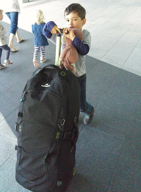 Managing his bag himself