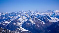 Widok na północ ze szczytu Gran Paradiso 4061m. Maternhorn i Monta Rosa