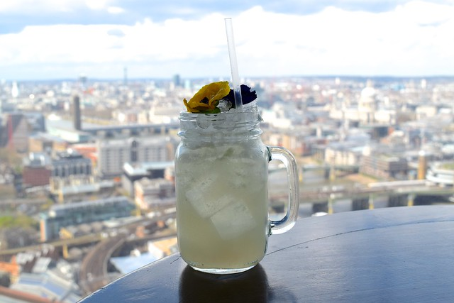 Cocktails at Hutong, the Shard | www.rachelphipps.com @rachelphipps