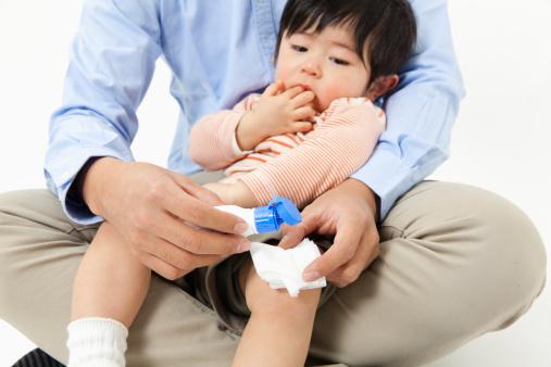 An toàn cho trẻ: Trước khi trẻ tập đi 3