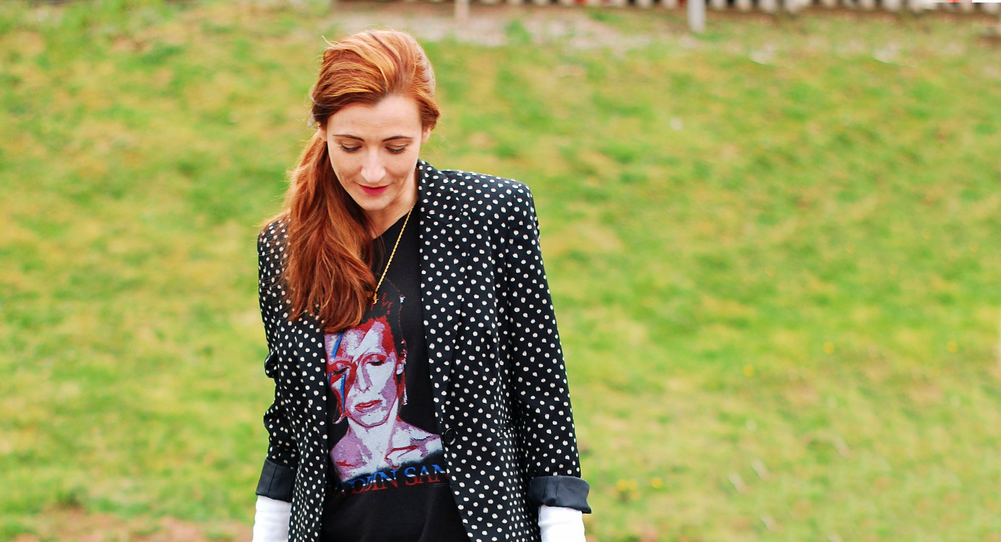 4 Ways to Wear a David Bowie t-shirt | With a polka dot blazer