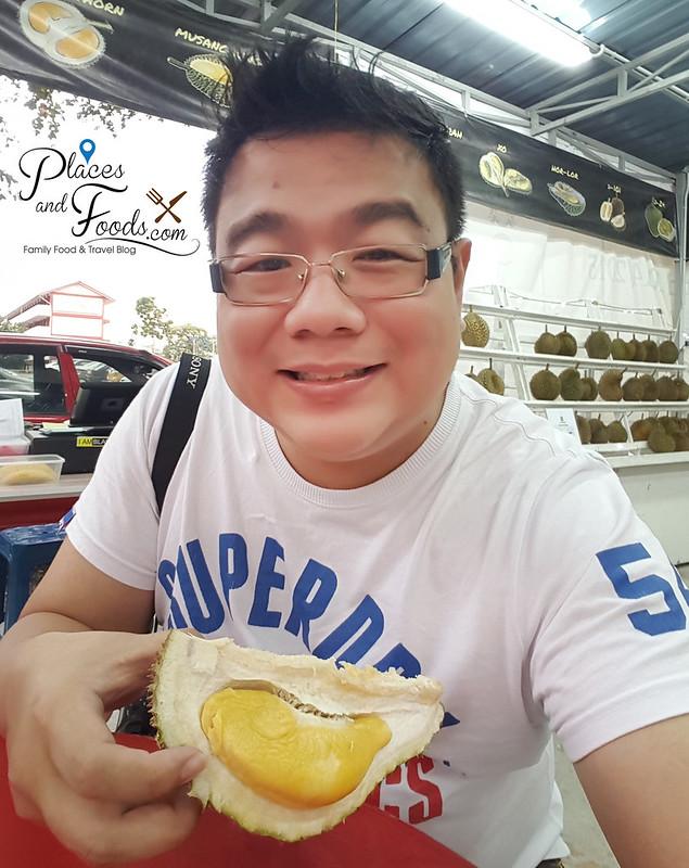 durian king ttdi bukit bintang musang king durian selfie