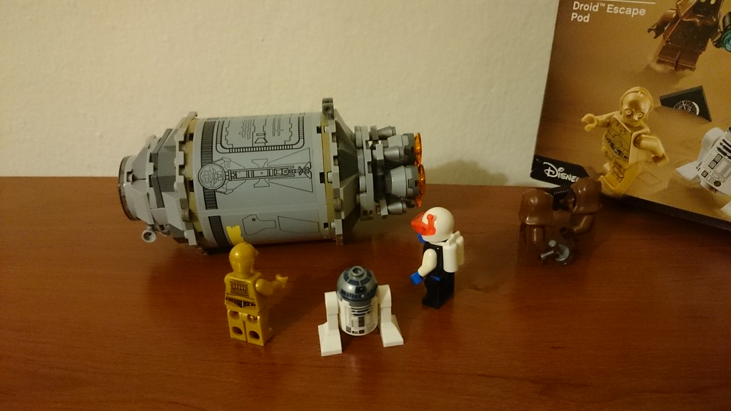 ThebrickReview: LEGO 75136 - (Star Wars) Droid Escape Pod (Pic Heavy!) 25611308400_e92f8a7c4e_b